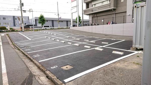 舟入駐車場アスファルト舗装施工前画像
